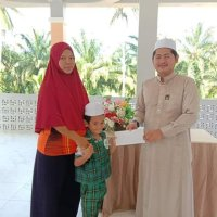 ทุนการศึกษาประเภท orphan students 2 คนจากสิงคโปร์